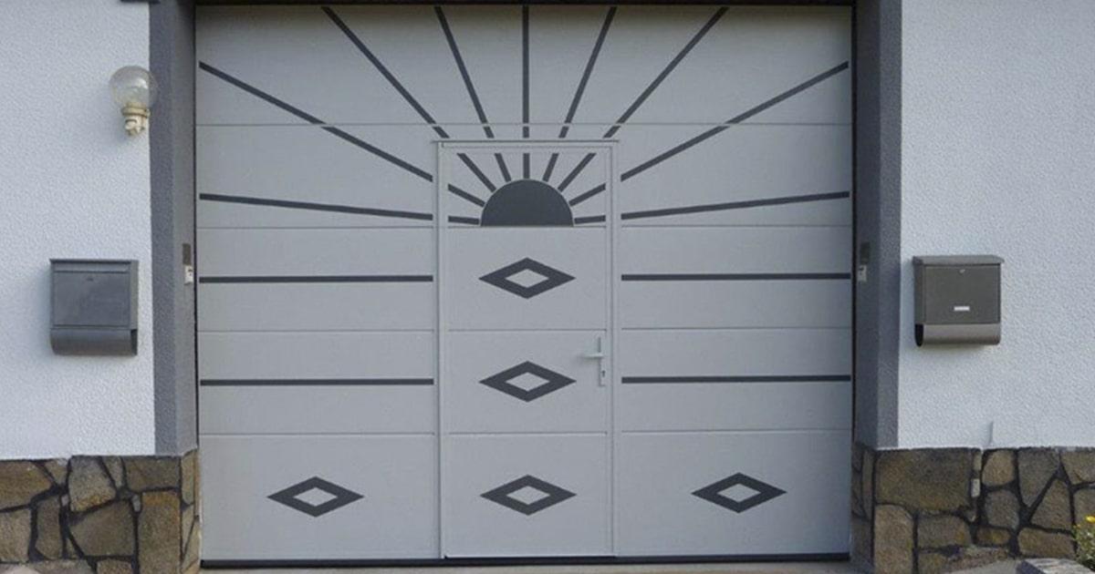 Секционные ворота с калиткой - Завод ворот Ритерна
